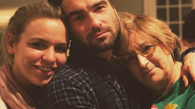 TBBT-Star Johnny Galecki mit seiner Mutter Mary Lou und seiner Schwester Allison