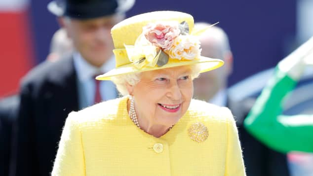 So schick präsentierte sich Königin Elisabeth II. beim Epsom Derby