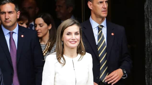 weißes Kleid Traum in weiß Königin Letizia von Spanien sah wieder einmal umwerfend aus