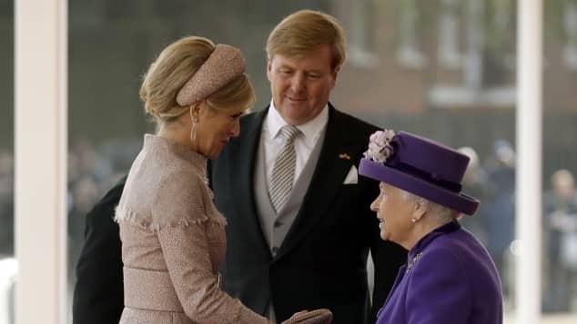 Königin Máxima, König Willem-Alexander und Königin Elizabeth II.