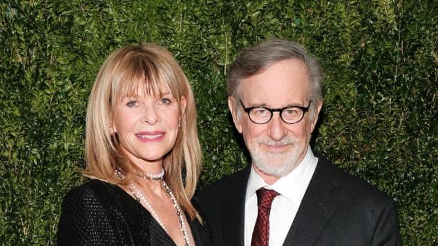 """Kate Capshaw und Steven Spielberg lernten sich am Set von """"Indiana Jones"""" kennen"""