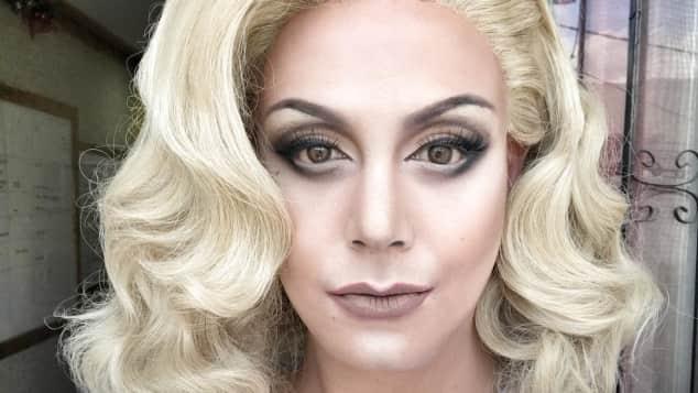 Lady Gaga alias Paolo Ballesteros, durch Make-up verwandelt er sich in bekannte Künstler und Künstlerinnen