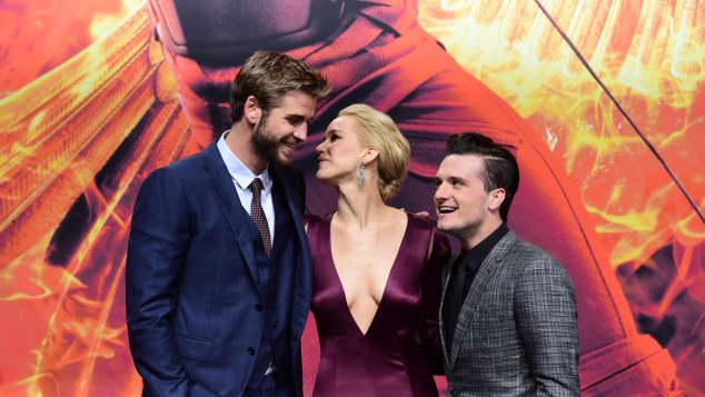 "Liam Hemsworth Jennifer Lawrence Josh Hutchserson ""Mockingjay Teil 2""-Premiere"