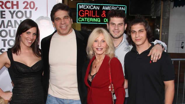 Lou Ferrigno und seine Familie bei einer Premiere