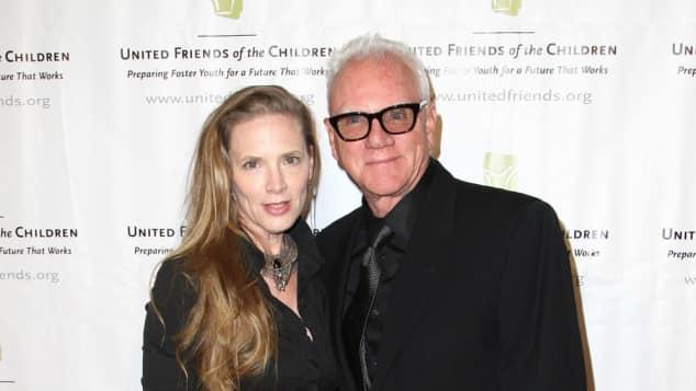 Malcolm McDowell und Kelley Kuhr bei einem Charity-Event 2015