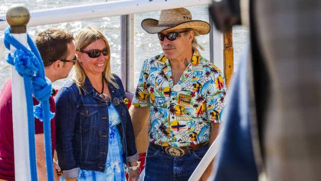 Manuela und Konny Reimann auf einem Museumsschiff