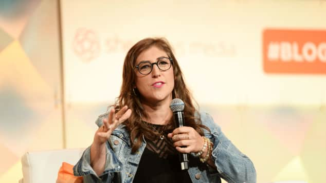 """The Big Bang Theory""-Star Mayim Bialik bei einer Konferenz in Los Angeles"