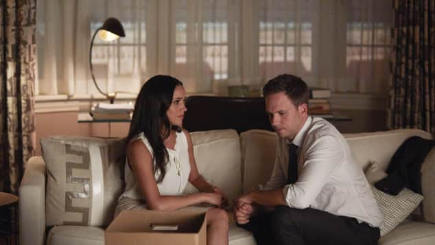 "Meghan Markle und  Patrick J. Adams in ""Suits"" Staffel 7, ""Rachel Zane"", ""Mike Ross"", Ausstieg"