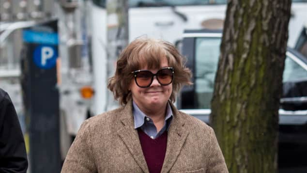 Melissa McCarthy Can You Ever Forgive Me? Autobiografie Lee Israel Verfilmung Bestseller Rolle männliches Outfit
