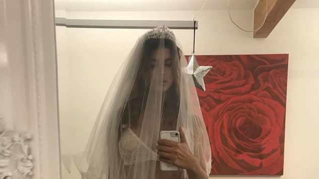 Micaela Schäfer als sexy Braut