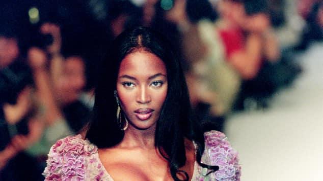 Naomi Campbell läuft für Karl Lagerfeld 1994 in Paris, Frühlig/Sommer Kollektion, Modenshow