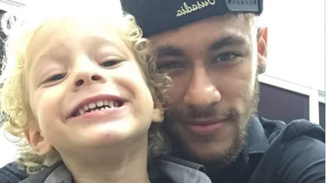 Neymar Jr. und sein Sohn David Lucca da Silva Santos