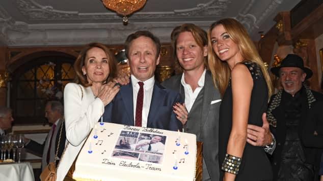 Peter Kraus mit seiner Frau Ingrid, seinem Sohn Mike und dessen Frau Coco