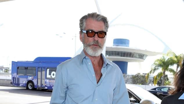 "Pierce Brosnan, Flughafen Los Angeles, LAX, ""James Bond"", ""Mamma Mia"""