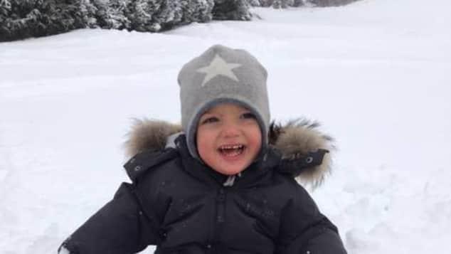 Prinz Nicolas Ausflug im Schnee Neujahrsgrüße Schwedisches Königshaus