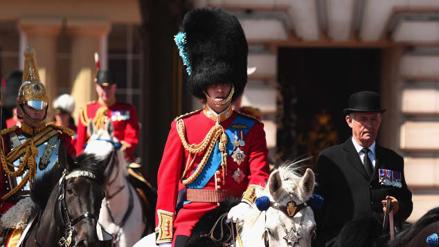 Hättet ihr Prinz William in seiner Uniform erkannt?