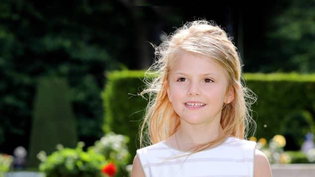 Prinzessin Estelle, breitet sich bereits jetzt auf ihre Rolle der Königin von Schweden vor