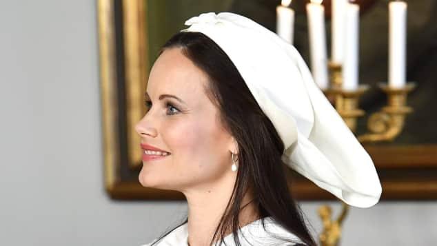Prinzessin Sofia zeigt ihren Babybauch in der schwedischen Tracht