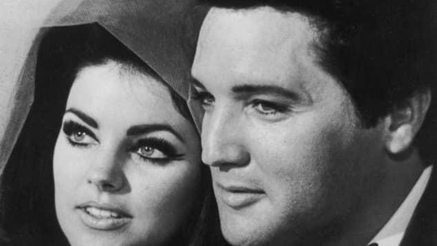 Priscilla und Elvis Presley bei ihrer Hochzeit im Jahr 1967