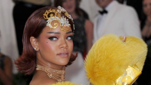 Rihanna 2015 auf der MET Gala