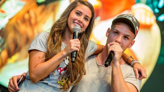 Sarah Lombardi und Pietro Lombardi bei einem Auftritt im Sommer 2016