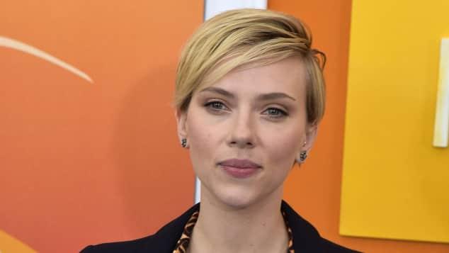 Scarlett Johansson  hat allen Grund zur Freude