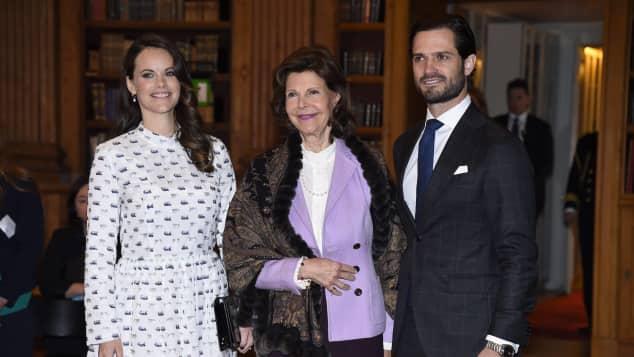 Prinzessin Sofia neben ihrer Schwiegermutter und ihrem Ehemann