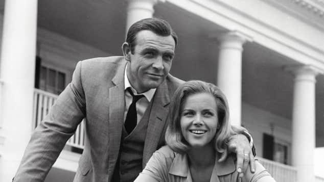 """Sean Connery und Honor Blackman im """"James Bond""""-Film """"Goldfinger"""""""