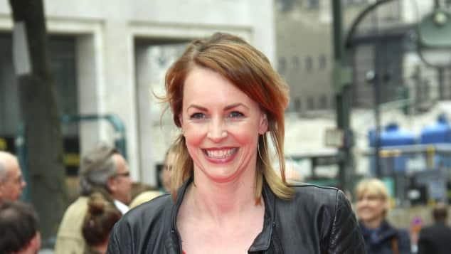 Simone Hanselmann roter Teppich Kinopremiere GZSZ Star