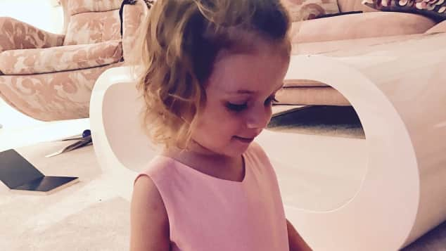 Sophia Cordalis kurz nach ihrem zweiten Geburtstag
