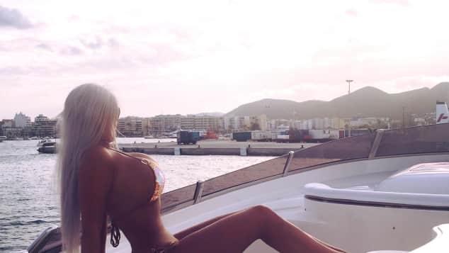 Sophia Wollersheim zeigt sich wieder mal super sexy Bikini Boot