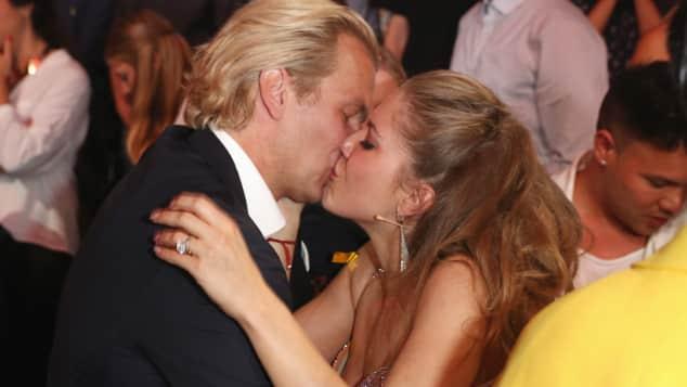 So verliebt sind Victoria Swarovski und Bald-Ehemann Werner Mürz