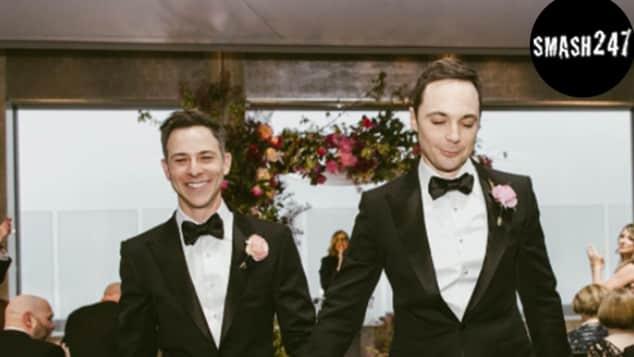 Jim Parsons hat seinen langjährigen Freund Todd Spiewak geheiratet