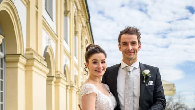 Adrian Lechner (Max Alberti) und Clara Morgenstern (Jeannine Michèle Wacker) Hochzeit