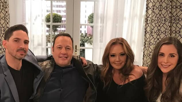 Kevin James, Leah Remini (mitte)
