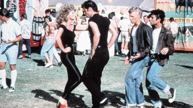 """Sandy"" und ""Danny"" singen in ""Grease"" den Kult-Hit ""You're the One that I Want"""