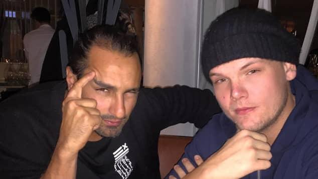 Manager Ash Purnouri und Avicii (†28)