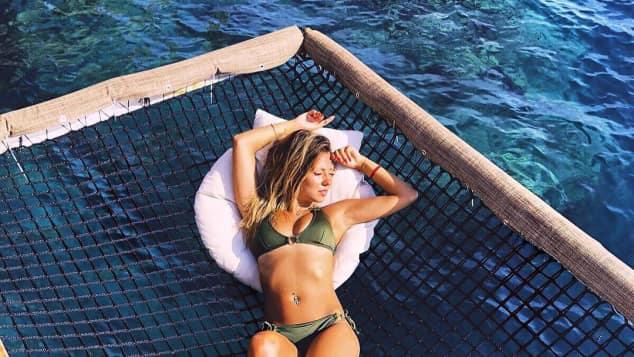 Bachelor Kristina sexy