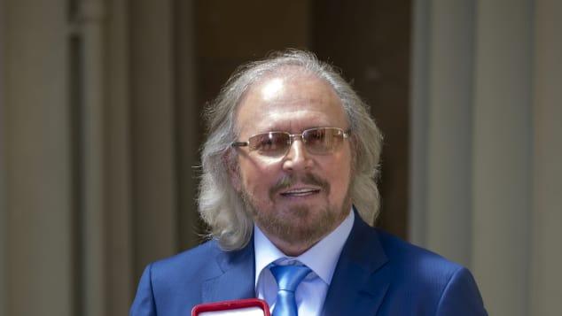 Ex-Bee Gee- Mitglied Barry Gibb wurde von Prinz Charles zum Ritter geschlagen