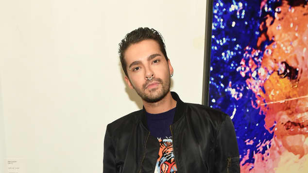 Tokio Hotel-Frontmann Bill Kaulitz bei einer Kunstausstellung in West Hollywood