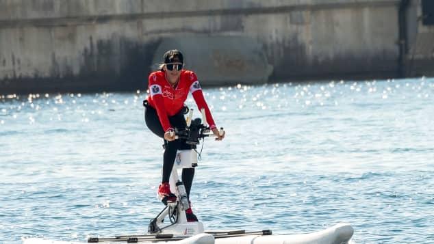 Fürstin Charlène von Monaco beim Zieleinlauf der Waterbike Challenge