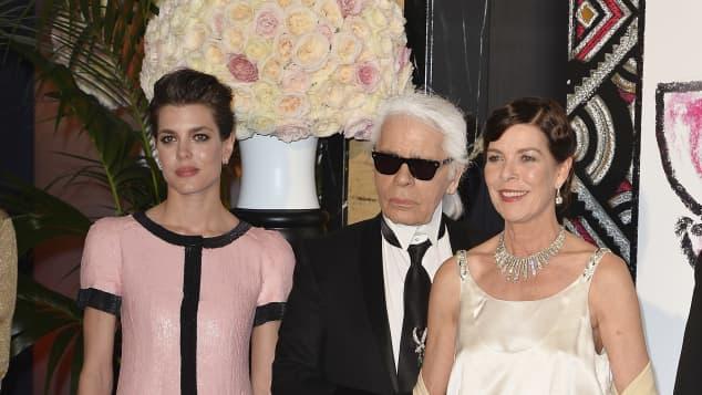Charlotte Casiraghi, Karl Lagerfeld und Prinzessin Caroline von Hannover