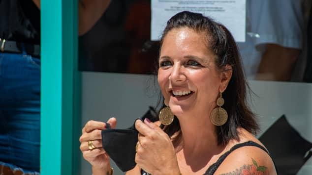 Daniela Büchner im Juli 2020 in der Faneteria auf Mallorca