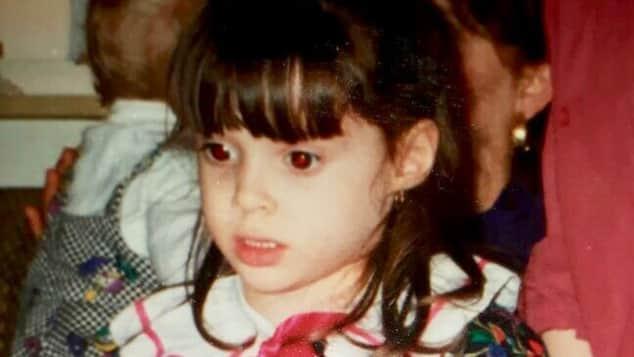 Daniela Katzenberger als Fünfjährige an Weihnachten 1991