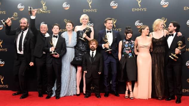 """Der """"Game of Thrones""""-Cast auf dem Roten Teppich"""