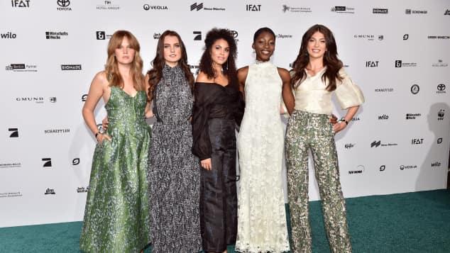 Pia, Jennifer, Julianna, Toni und Christina stehen im Halbfinale von GNTM und haben schon jetzt eine große Fan-Gemeinde auf Instagram