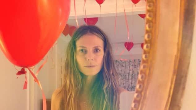 Heidi Klum blank gezogen