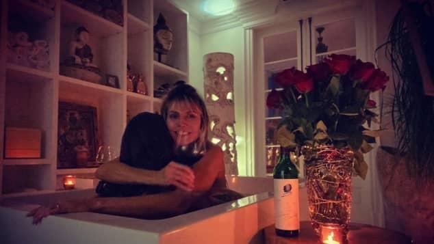 Heidi Klum und ihr Mann Tom Kaulitz in der Badewanne