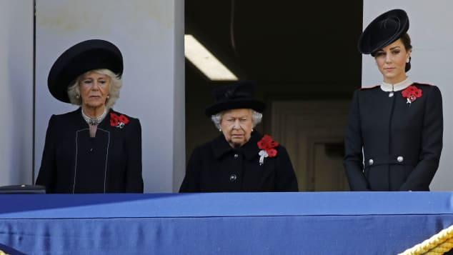 Herzogin Camilla, Königin Elisabeth II. und Herzogin Kate