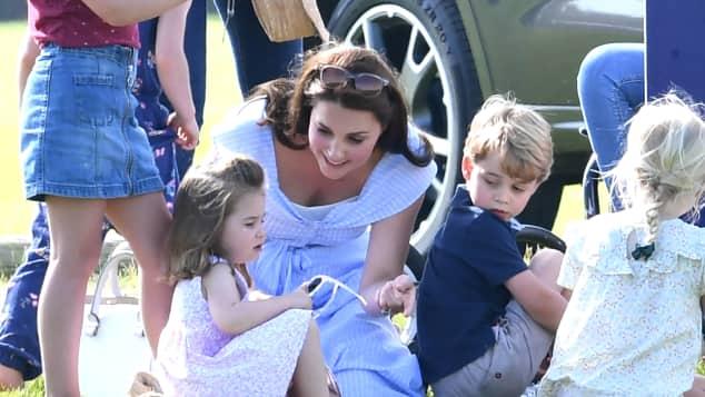 Prinzessin Charlotte, Herzogin Kate und Prinz George bei einem Familienausflug